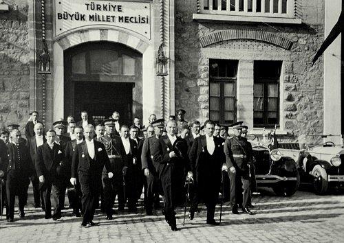 3. Sınıf MEB Yayınları Türkçe Çalışma Kitabı 2.Tema Atatürk Cevapları (Sayfa 33-53 Arası)